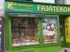 Fakopáncs-Wooden Game Budapest Erzsébet Avenue