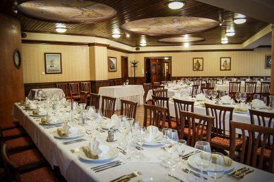 The hotel Golden Deer Inn